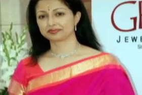 जयललिता के इलाज में गोपनीयता पर तमिल अभिनेत्री ने उठाए सवाल, पीएम मोदी को लिखा पत्र