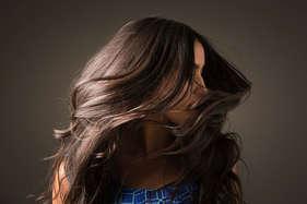 सर्दी के मौसम में ऐसे रखें बालों ख्याल, बेजान बालों में आ जाएगी जान!