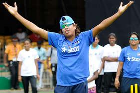 अश्विन के बाद झूलन गोस्वामी ही कर सकी हैं टी-20 में ऐसा कमाल