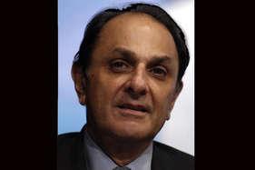 रतन टाटा, टाटा सन्स के खिलाफ 3000 करोड़ का मानहानि का केस दर्ज