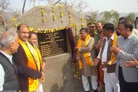 उदयपुरः रंग-बिरंगे फूलों से महकेगी चीरवा घाटी, गृहमंत्री कटारिया ने रखी नींव