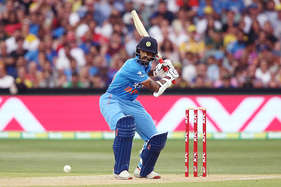 तीसरे वनडे से पहले अस्पताल पहुंचे भारतीय ओपनर धवन