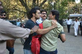 बांद्रा कोर्ट के बाहर फोटोग्राफर से भिड़े पुलकित सम्राट, की मारपीट
