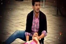 देखें: राघव के लिए नैना ने गंवाई जान!