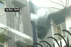 दिल्ली में दिल दहलाने वाली वारदात, पिता को कमरे में बंद कर सिलेंडर में कर दिया धमाका