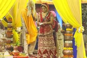 करण जौहर को मोनालिसा ने दिया ये जवाब, 'मेरी शादी झूठी नहीं है'