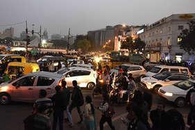 कनॉट प्लेस को 'कार फ्री' बनाने की पहल का विरोध तेज