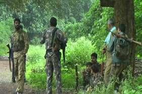 'नक्सली इलाकों में तैनात जवानों से अधिक जोखिम भत्ता पा रहे वीवीआईपी सुरक्षा में तैनात जवान'