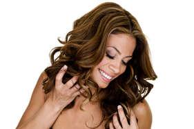 लंबे घने बाल चाहिए तो इन 5 उपायों को आजमाइए