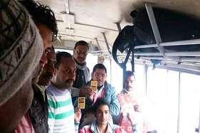 बिहार के इस जर्जर एनएच पर यात्रियों को है 'हनुमान चालीसा' का सहारा