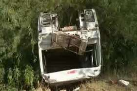 पालीः पत्थरों से भरा ट्रैलर खाई में गिरा, 3 लोगों की दर्दनाक मौत