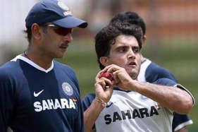 रवि शास्त्री ने किया गांगुली को नजरअंदाज, धोनी को बताया 'दादा कप्तान'