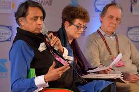 शशि थरूर बोले: बच्चों को मिले संस्कृति-साहित्य की शिक्षा, पढ़ाएं रामायण-महाभारत