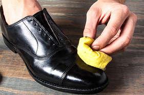 जूते पॉलिश करके महीने का 18 लाख रुपया कमाता है ये शख्स