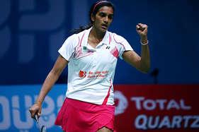 सिंधू ने साइना को हराया, चेन्नई स्मैशर्स फाइनल में पहुंची