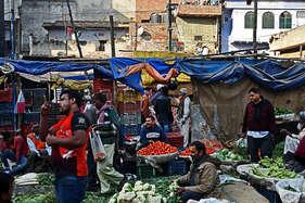 रायपुरः किसानों ने फ्री में बांट दी 1 लाख किलो सब्जी