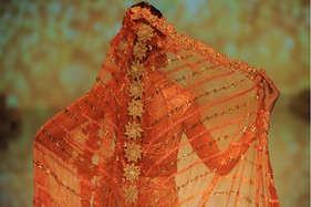 सर्दियों की शादियों में ऐसे दिखें फैशनेबल