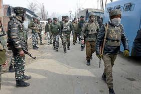 जम्मू-कश्मीर में आतंकवाद से लड़ रही सेना के लिए खतरा बने मुखबिर