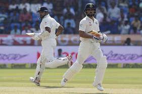 हैदराबाद टेस्ट के पहले दिन बने कई कीर्तिमान, बोर्डे-गावस्कर और सिद्धू के रिकॉर्ड हुए ध्वस्त