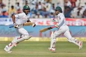 हैदराबाद टेस्ट : भारतीय बॉलर्स के सामने डटे रहीम और हसन, तीसरे दिन के खेल के बाद बांग्लादेश 322/6