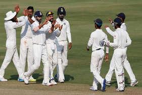 हैदराबाद टेस्ट : भारत को जीत के लिए आखिरी दिन चटकाने होंगे बांग्लादेश के सात विकेट