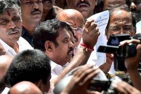 पलानीसामी को वोट करने के बाद अन्नाद्रमुक विधायक को आ रहे हैं धमकी भरे फोन!
