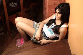 फिल्म 'कमांडो 2' में हील वाले जूतों के साथ एक्शन करती नजर आएंगी अदा शर्मा