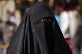 तुर्की: सेना में अब हिजाब पहन सकेंगी महिला अफसर