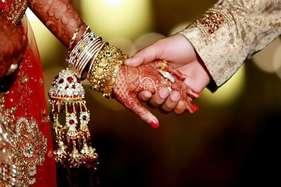 पहली पत्नी को छोड़ इस क्रिकेटर ने थामा था एक्ट्रेस का हाथ, पढ़ें: क्रिकेट-बॉलीवुड की 7 'लव स्टोरी'