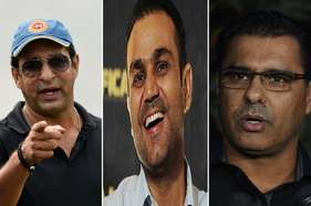 वीरेंद्र सहवाग के एक ट्वीट से पाकिस्तान के दो दिग्गज क्रिकेटरों में झगड़ा