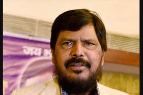 दलित नेता अठावले ने कहा, यूपी चुनाव में भाजपा को सर्मथन दे बीएसपी