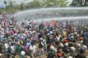 विधानसभा घेरने पहुंचे जाप कार्यकर्ताओं का पुलिस पर हमला, रोड़ेबाजी के बाद लाठीचार्ज