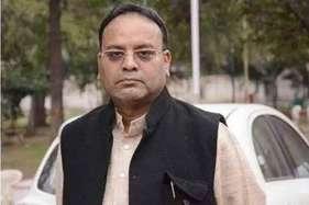 कानूनी ढंग से संचालित अस्पतालों पर कार्रवाई नहीं : अजय चंद्राकर