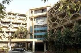 आयकर विभाग की कार्रवाई में सर्राफा कारोबारी ने सरेंडर किया एक करोड़ रुपये