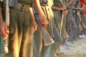 नक्सलियों ने बेरहमी से की पुलिस जवान की हत्या, पहले गला रेता फिर गोलियों से भूना