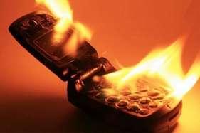 जेब में रखी मोबाइल फोन बैटरी में ब्लास्ट, खतरे में मासूम की जिंदगी