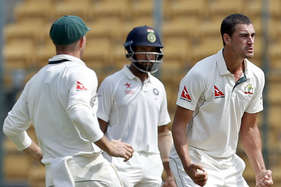 VIDEO: इन 9 गेंदों ने बदला मैच का रुख, ऐसे धराशाई हो गए विराट के धुरंधर