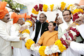 अरसे बाद साथ दिखे उमा भारती और शिवराज सिंह चौहान