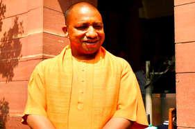 ऐसे निपटा सीएम योगी का पहला दिल्ली दौरा, आठ घंटे में की 10 मुलाकातें