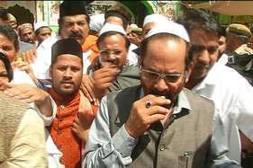 केंद्रीय मंत्री नकवी ने ख्वाजा की मजार पर चादर पेश कर मांगी देश में अमन-चैन की दुआ
