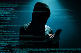 सावधान: मोबाइल में पहले से मौजूद मालवेयर चुरा रहा आपका पर्सनल डाटा