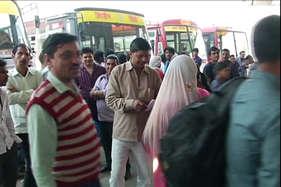 बस स्टैंड पर उमड़ रही यात्रियों की भीड़ देखकर राजस्थान रोडवेज ने लगाई 150 अतिरिक्त बसें