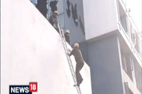 कोलकाता के होटल में आग लगी, जान बचाने को तीसरी मंजिल से कूदे लोग