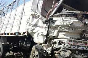 ढलान पर इंजन बंद कर दौड़ाया मिनी ट्रक, अनियंत्रित होने पर ड्राइवर कूदा, 15 लोगों की मौत