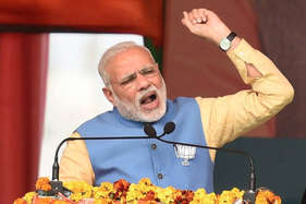जब बिना कुछ बोले मंच से चले गए प्रधानमंत्री नरेंद्र मोदी