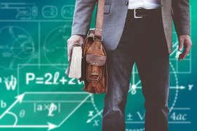 योगी ने 23 भर्ती प्रक्रिया पर रोक लगाई, शिक्षकों की बहाली पर भी जांच करवा सकती है यूपी सरकार