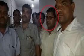 एसीबी ने 20 हजार रुपए की रिश्वत लेते पुलिसकर्मी को रंगे हाथों पकड़ा