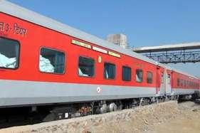 अब टिकट वेटिंग है तो राजधानी, दुरंतो और शताब्दी में रेलवे देगी कन्फर्म सीट