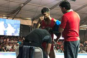 एक्सक्लूसिव: नाक से गिरता रहा खून, फिर भी लड़ता रहा ये इंडियन पहलवान