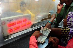 रेल टिकट से जुड़ी ये बातें नहीं जानते होंगे आप! बीमार यात्रियों को टिकट पर मिलती है 75 फीसदी छूट, ऐसे उठाएं लाभ...